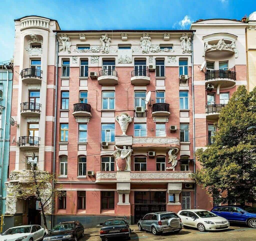 Kozerovskyi's profitable house