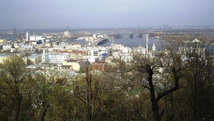 Uzdykhalnytsia Hill view