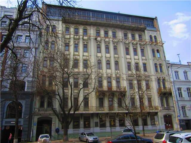 "36, Volodymyrska Str. – the building of the former hotel ""Prague"""