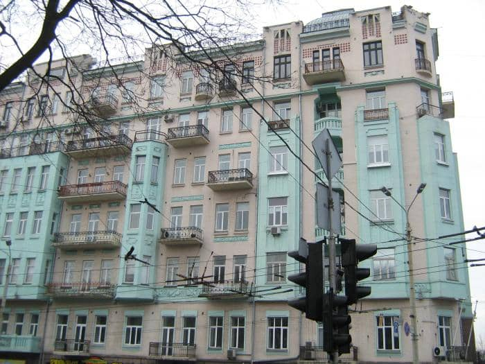 61/11, Volodymyrska Str. – profitable house of B. Moroz