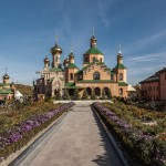 Загородные монастыри Киева