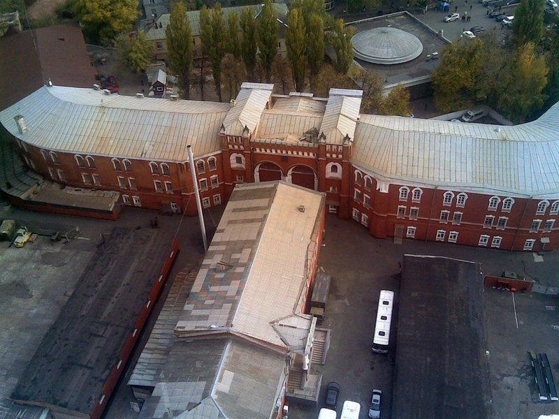 Nikolsky Gates with barracks