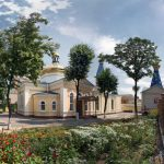 Храмы на Днепровской набережной