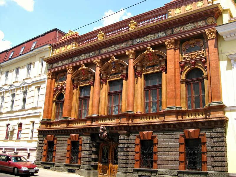 Дворец Толстых