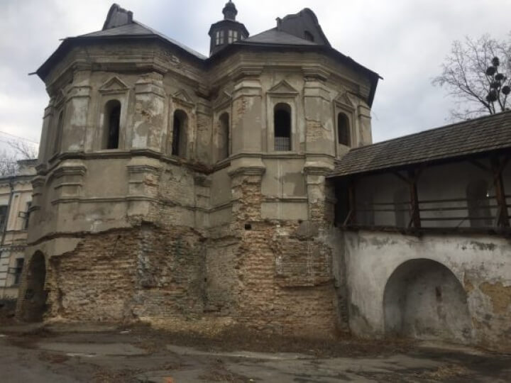 Мазепинские стены с башнями