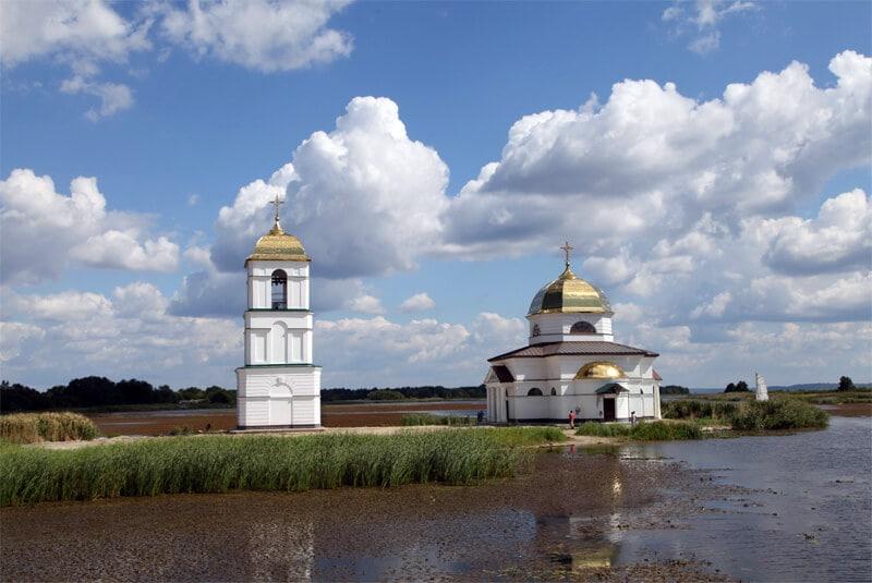 Затопленная церковь (Ржищев)