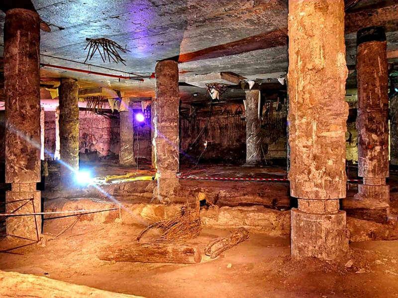 Подземная Почтовая площадь