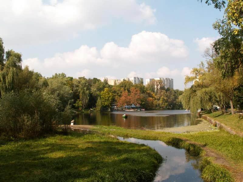 The Holosiivskyi Park