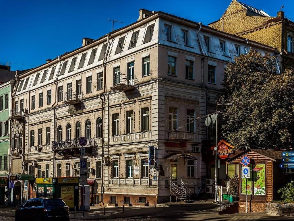 42, Volodymyrska Str. – the profitable house of Setov