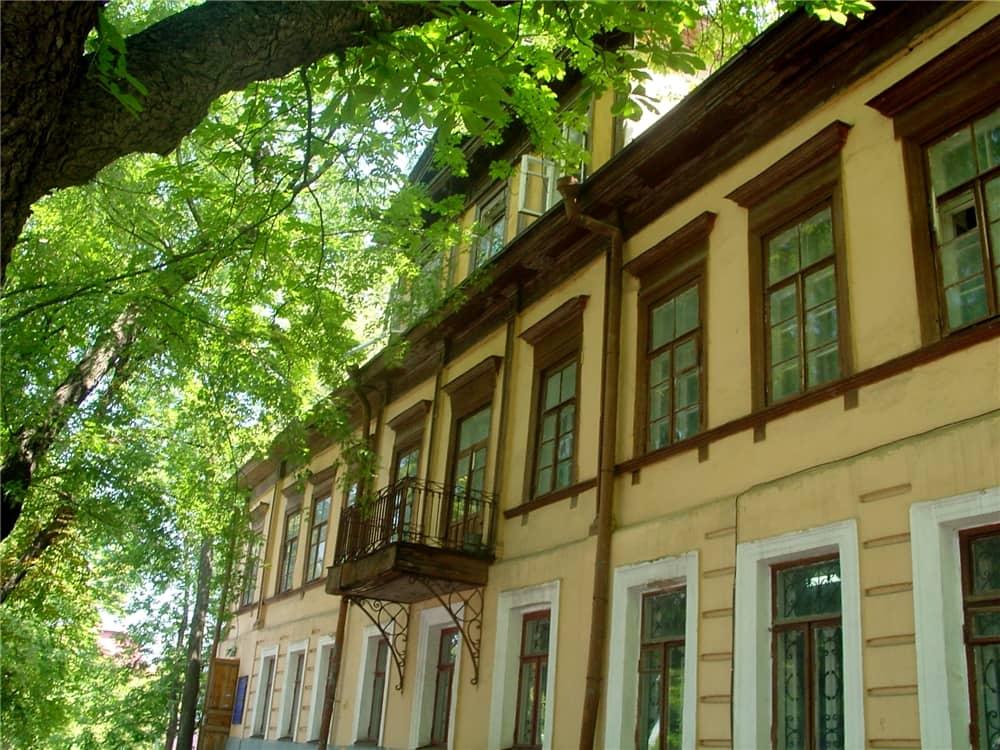 3, Volodymyrska Str. – Trubetskoy mansion