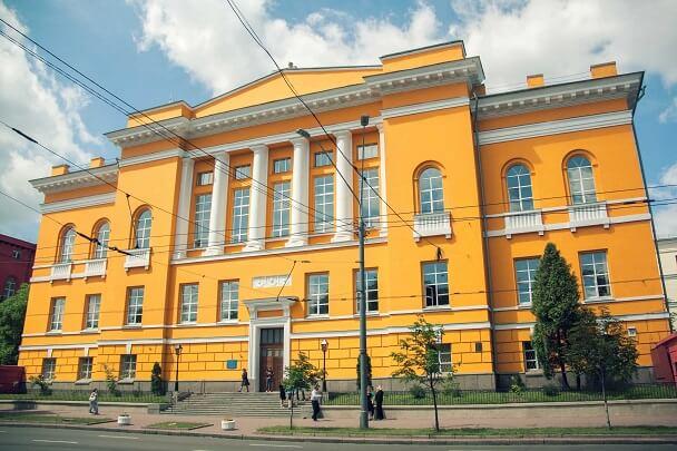 58, 62, Volodymyrska Str. – twin houses, libraries