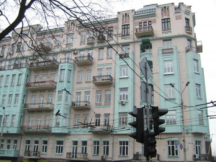 61/11, Volodymyrska Str. – profitable house of B. Moroz