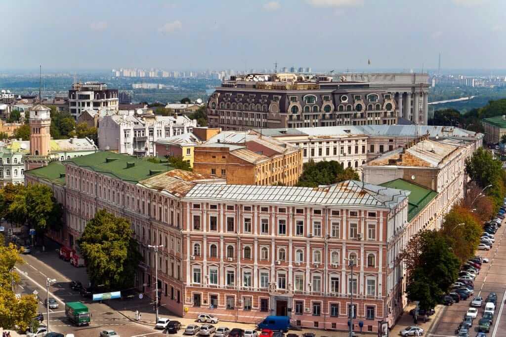 "15, Volodymyrska Str. – the building of ""presence"" places"