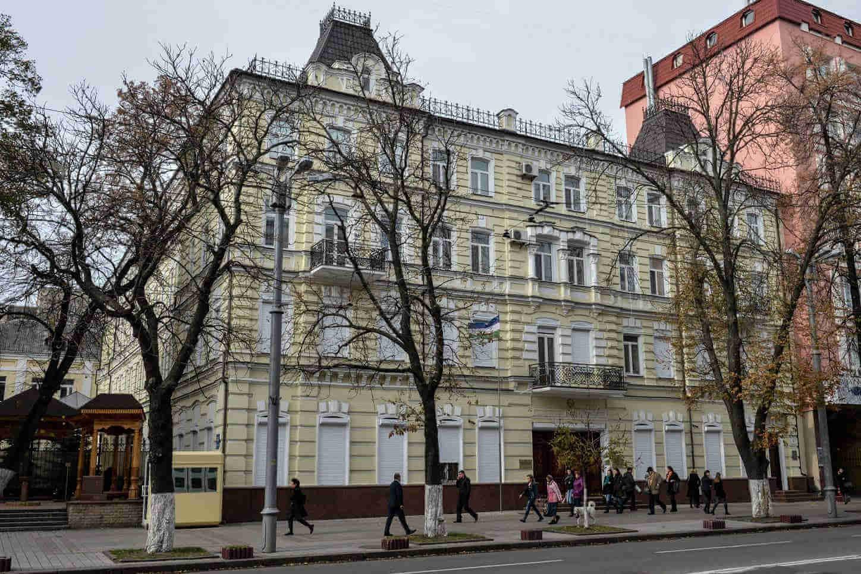 16, Volodymyrska Str. - lucrative rooms