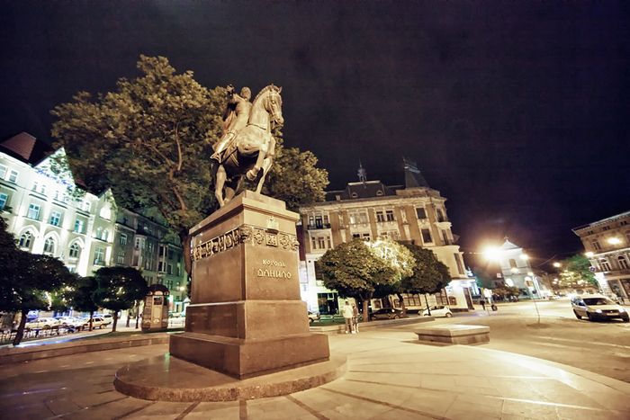 памятник Данилу Галицкому
